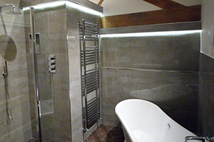 Attic Wet Room with Bath.